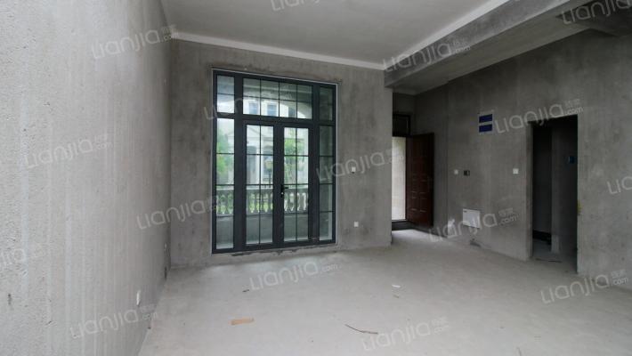 胜华嘉园排屋,带地下室,实际面积有四百多平