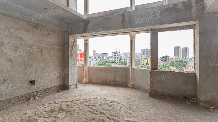 金山街。楼中楼。低价出售 301.77m²