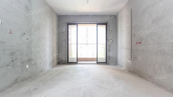 横沥盛和雅颂业诚心出售 4房2厅2卫 中间位