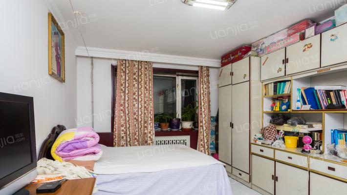 宇轩花园一期,复式六室两厨两卫精装修