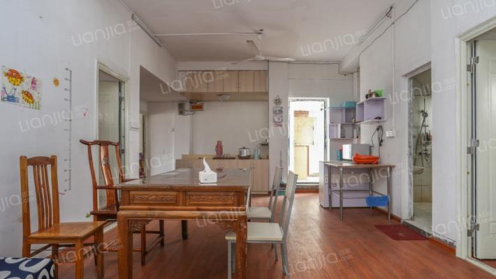 小区物业便宜环境好房子格式好房东急售