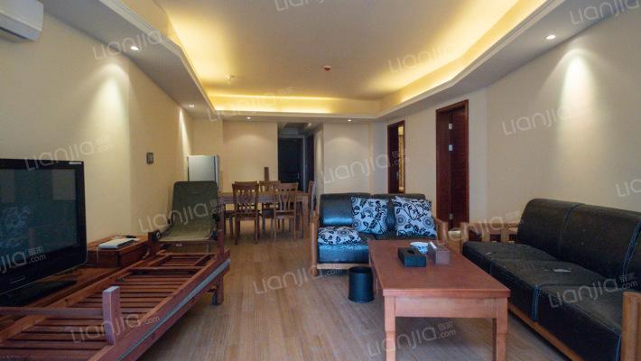此房满五唯一税费少,180度的海景大两房