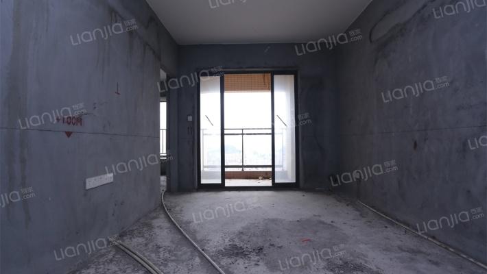 优质大三房急售 户型方正,光线好