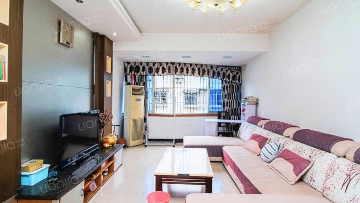 此房户型方正,采光好,楼层好,配套设施好。
