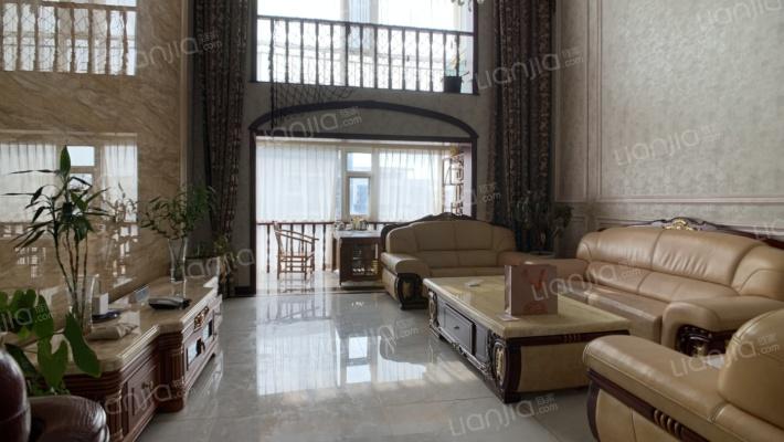 银河湾(兰山区) 5室2厅 南