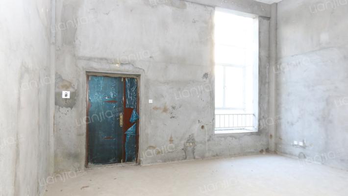 此房双证满二,视野好采光足,房东诚意出售!