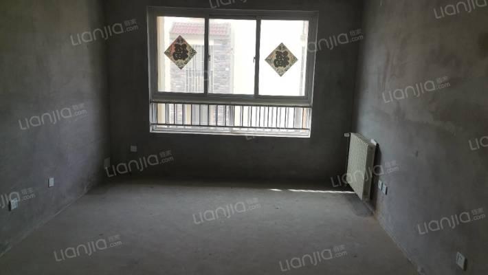 满五唯一房,位置优越 29平大地下室 +车位 采光超好