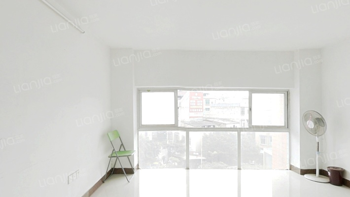 城市家园复式7房,使用率高,交通方便,业主诚心出售