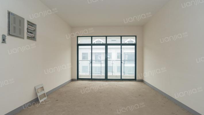 板式户型,湖景房,南北双阳台,老证