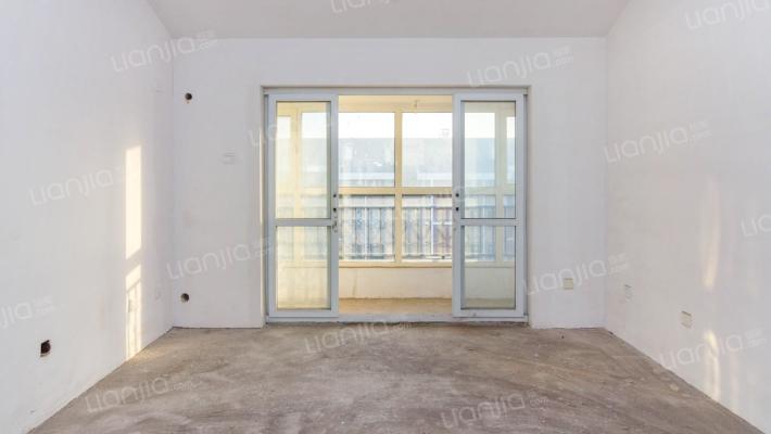 禾香雅园优质毛坯四居室,顶层带阁楼,满五唯一