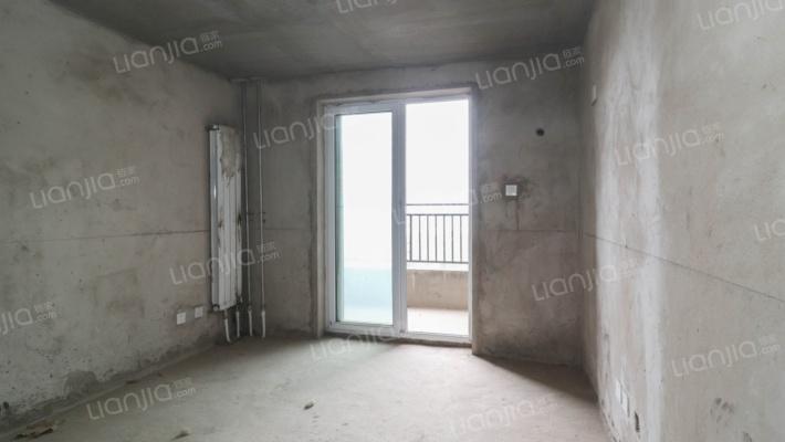 泾渭明珠三室一楼带卧室看房方便有钥匙
