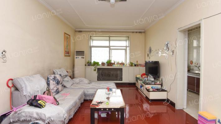 三室,布局合理,通透采光好,诚心出售,可看房