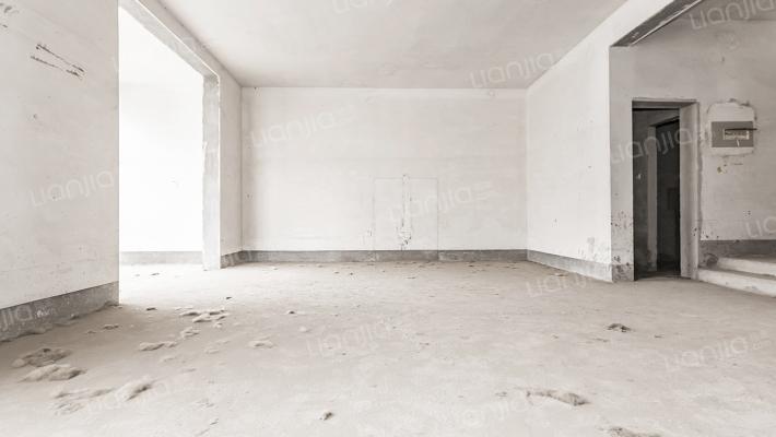 凯泰庄园三层别墅式房子·······