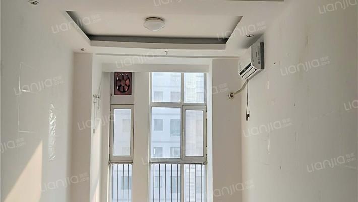 北国勒泰如意商务大厦48.8平米精装修1室1厅近