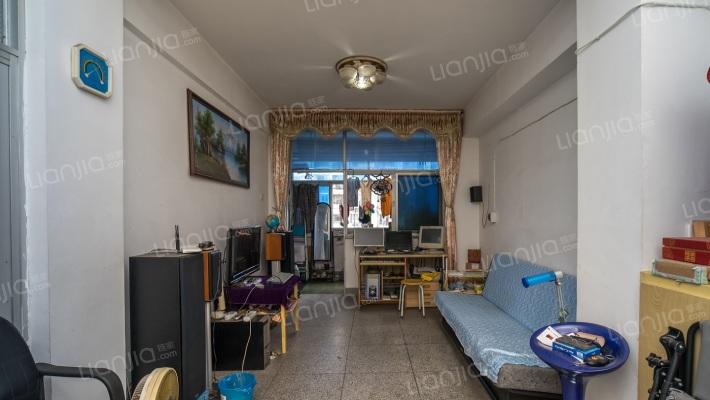 人行金库宿舍,一梯两户公摊小,满两年,诚心出售