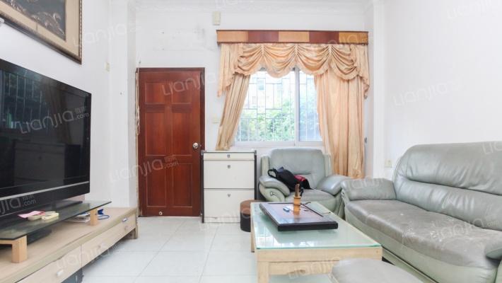 复式4房业主诚心出售,随时可看房