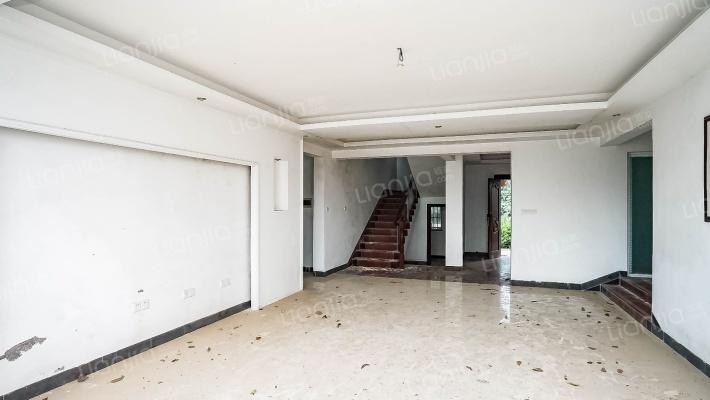 金湾山顶别墅《金海山庄》实用性高  5房居家型