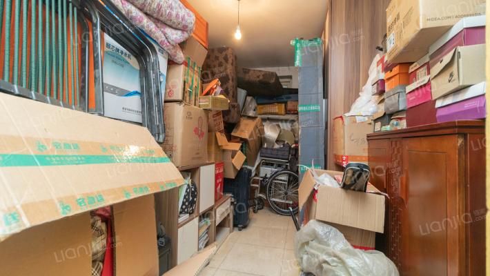 鑫泰园东区负一层地下室出售 产证在手