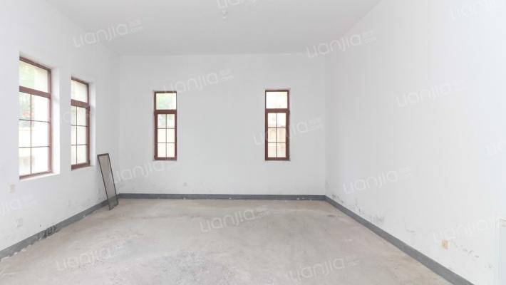 中海央墅,北入户,南院,小院约200平