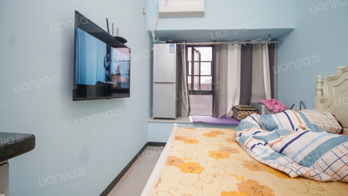 此房位于乐盈广场旁 购物方便 单身公寓较适合年轻人