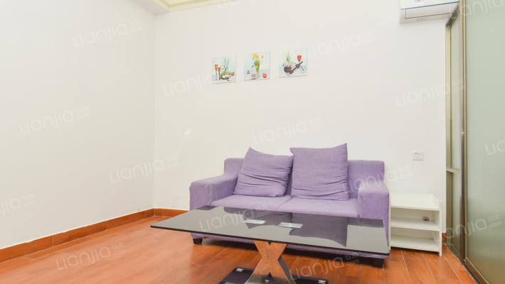 朗日公寓 精装修一房一厅 总价低 自住出租 都可以