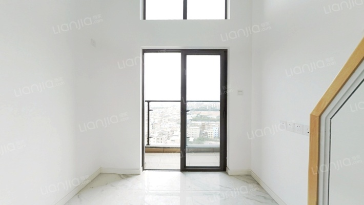 东城城区碧桂园精装复式公寓,物美价廉,低价出售