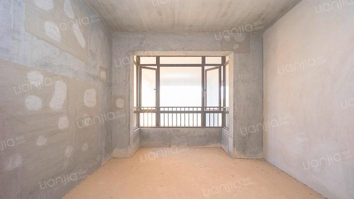 五象金融圈霸气中空楼中楼 双大阳台 可看江景 !
