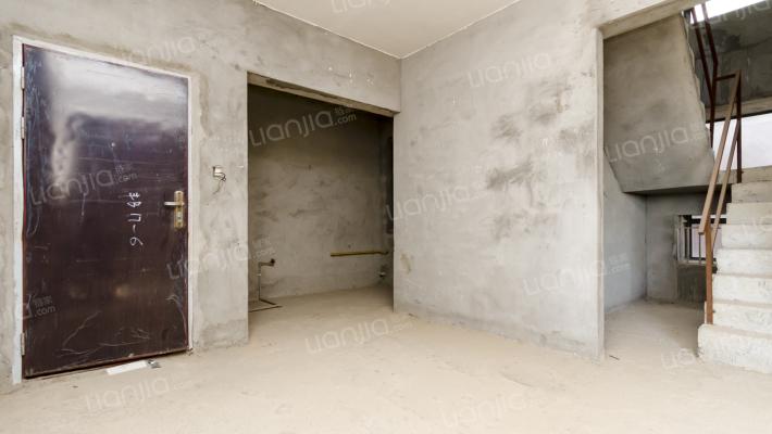 政府边的楼盘  源丰楼 复式楼 上下五房