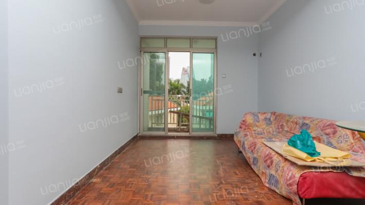 新世界花园  诚心出售  两房房两厅,户型方正