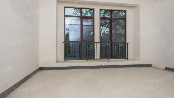 保利公园拉菲庄园合院小独栋 带全明地下室花园120平