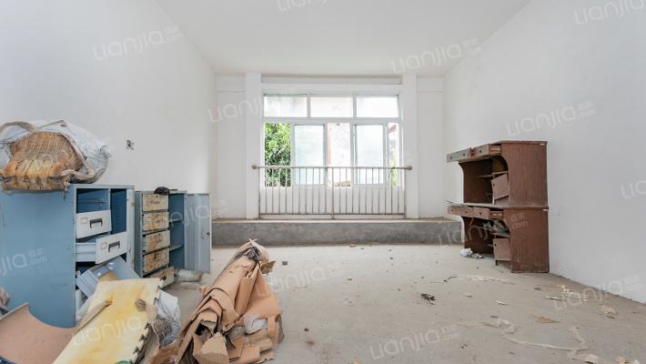 泉湖公园 南窗雅舍4室2厅3卫 283平米 带露台