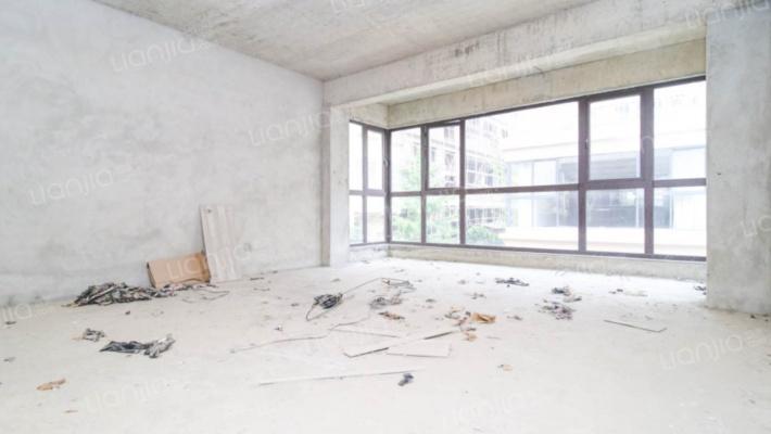 凤凰城宏福园已经改装过的双车库大别墅出售