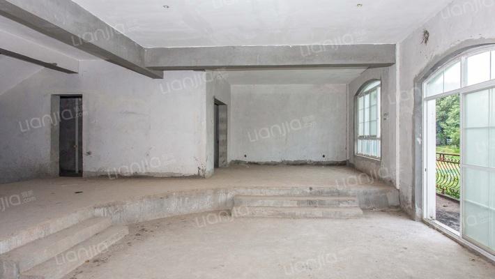 独栋别墅,业主诚心出售,产权清晰,随时可签约交易