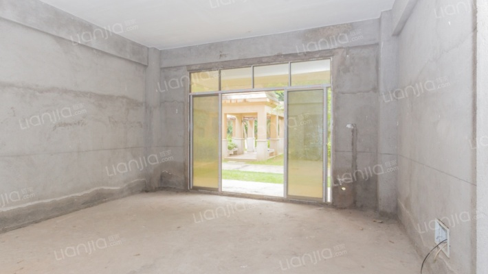 福鑫星城 毛坯房3室2厅 低楼层 不一样的风景