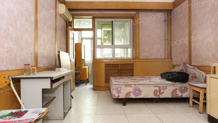方兴小区 经典小一室  房间虽小 功能齐