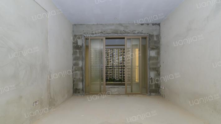 龙光城北三期 3室2厅 130万