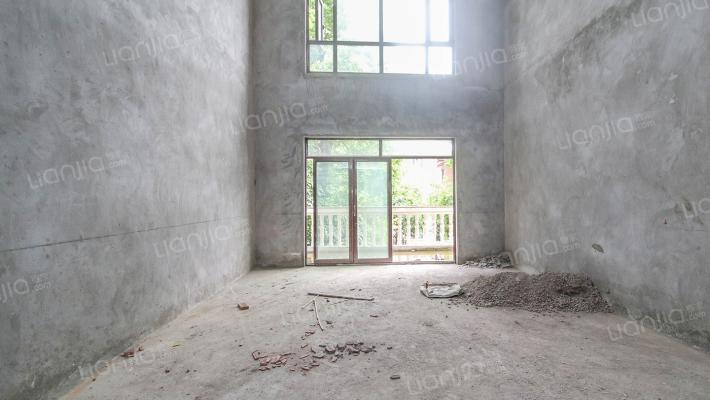 维多利亚 双拼别墅  带地下室 看江