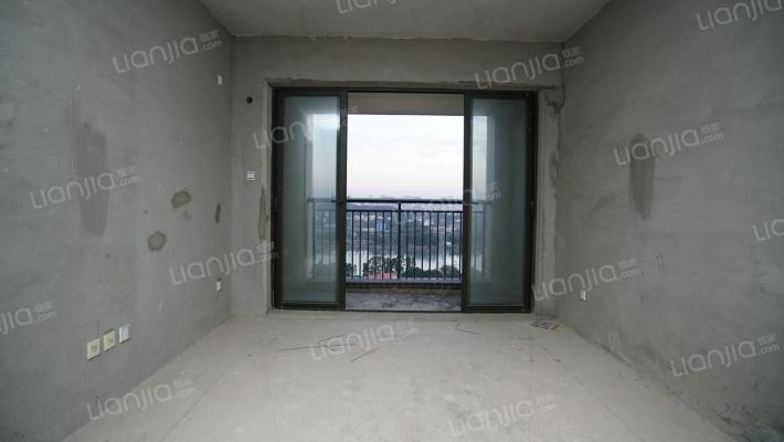 高层江景房,红灯笼台商大厦一览无遗