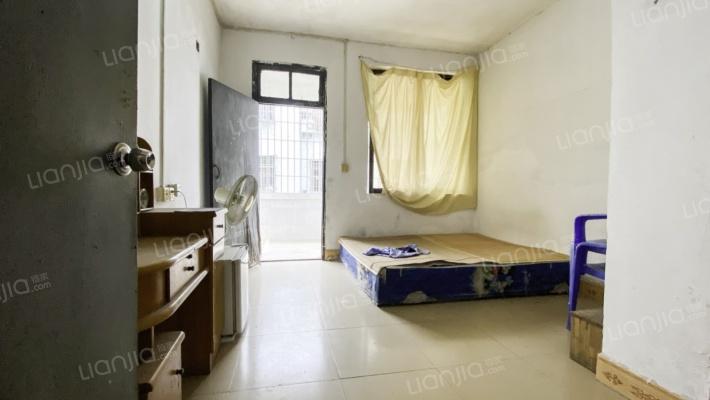 美澳园二区 4室1厅 南