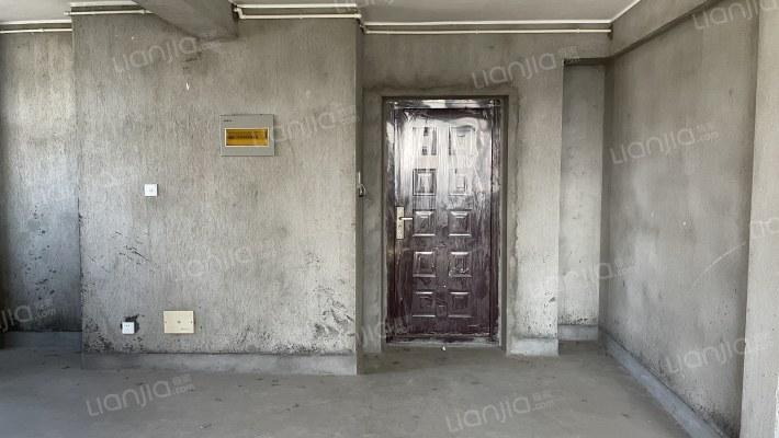 南湖区/凤篁镇 电梯大三房 业主置换诚心可商 十万火急