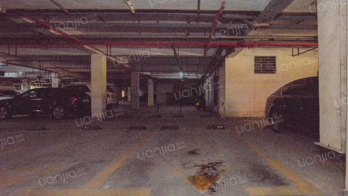 华泰国际新城七期 1室0厅 东南