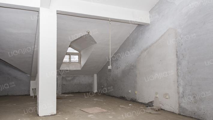 昕泰佳苑 两室一厅一厨 45平 仅售22万