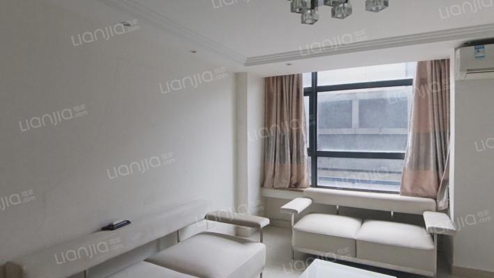 两室两卫的公寓  层高4.8米,精装修 LOFT