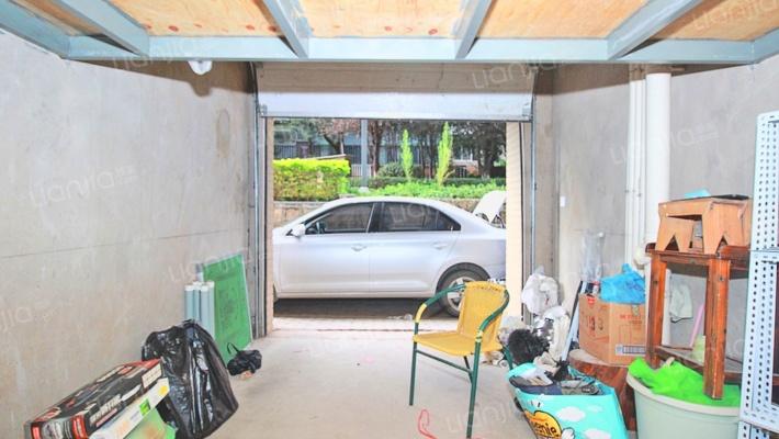 金色交响家园15平车库价格15万位置方便