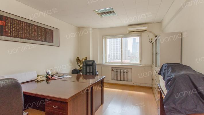金宝公寓 私产过两年 交通便利 环境可以