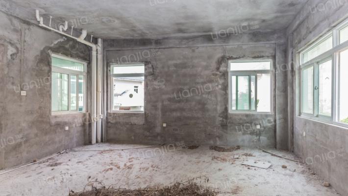 按易经建的独幢别墅带车库带院子带露台