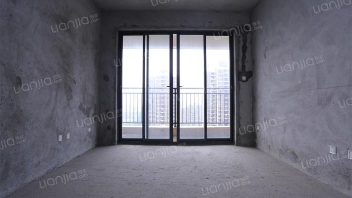 轻轨口  高楼层四房  视野开阔 看花园
