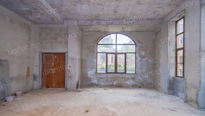 龙海壹号 5室2厅 南 北