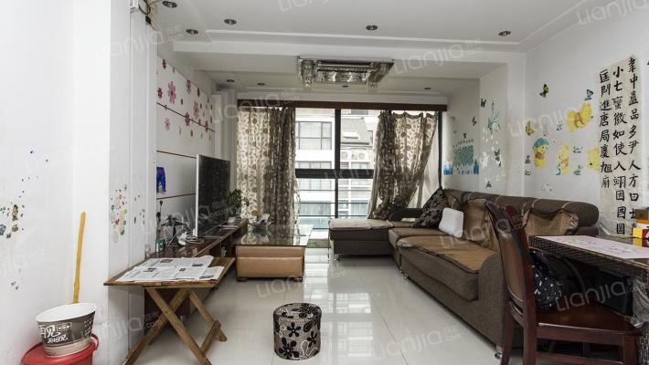 跃层精装修,实用空间大,适用于大家庭居住