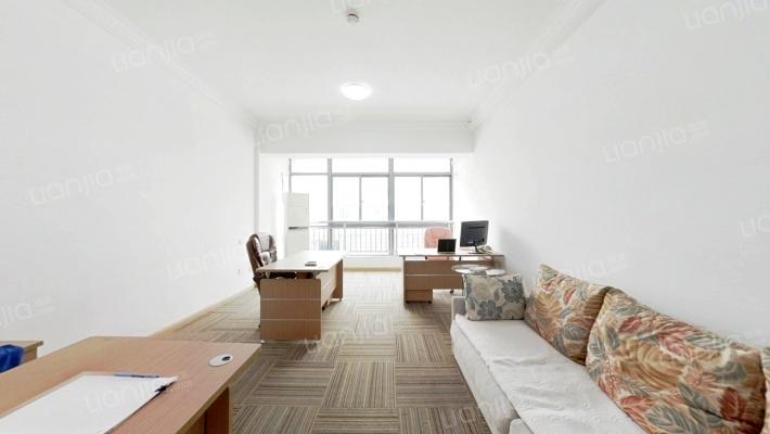 小户型公寓,精装有电梯,中高楼层,采光好。